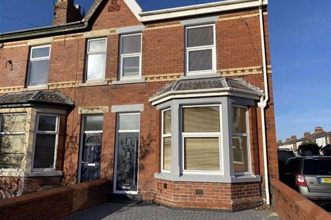 4 bedroom end of terrace house for sale - Cross Street, St Annes