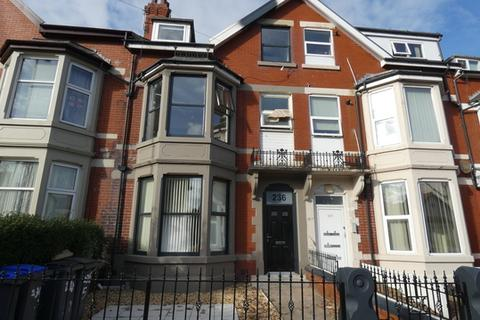 2 bedroom property - Hornby Road Flat 8