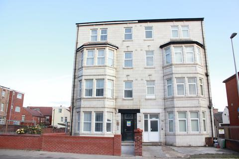 2 bedroom property to rent - Reads Avenue Flat 6