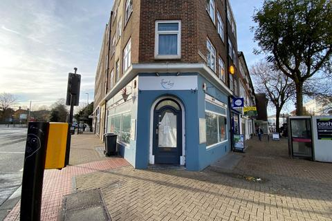 Property to rent - Eastbourne BN21