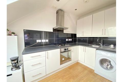 2 bedroom flat to rent - The Approach, East Acton