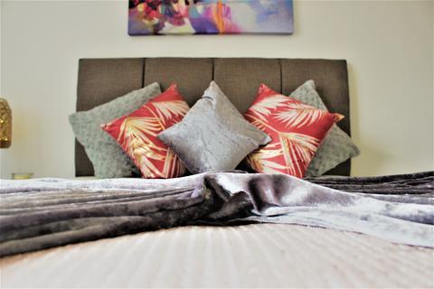 4 bedroom house share - *CO-LIVING* Room 3 Coronation Avenue WV13