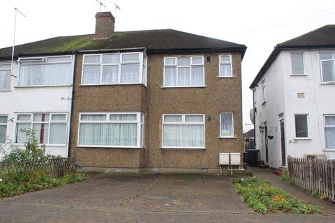 2 bedroom maisonette for sale - Bowood Road, EN3