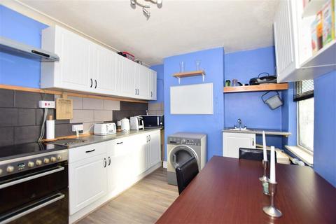 3 bedroom terraced house for sale - Gordon Road, Gillingham, Kent