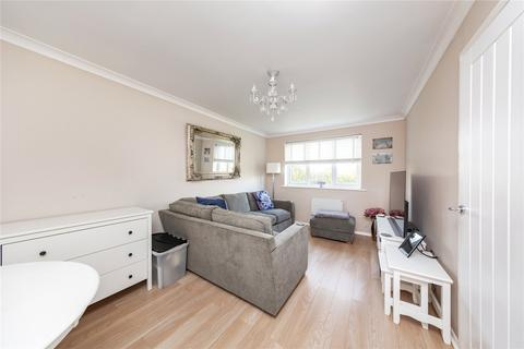 1 bedroom apartment for sale - Leston Close, Rainham, RM13