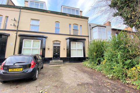 3 bedroom apartment - 53 Derby Lane Flat 3, Old Swan, Liverpool