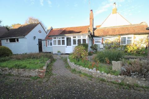 2 bedroom detached bungalow for sale - White Lodge, Horsham Road, Findon Village BN14 0UY