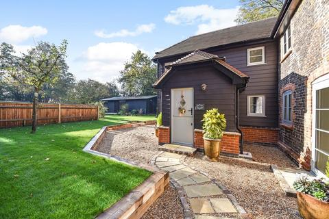 3 bedroom cottage for sale - Longmoor Road, Greatham