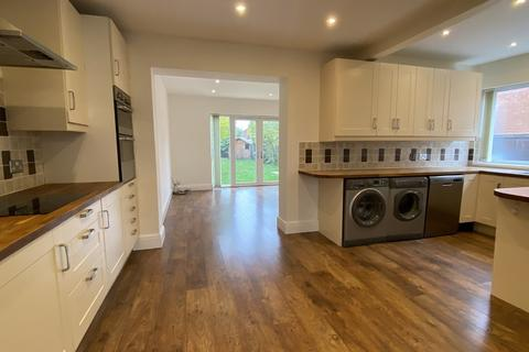 3 bedroom semi-detached house to rent - Lincoln Road, North Hykeham