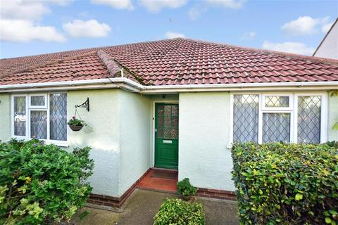 3 bedroom bungalow for sale - Cumberland Avenue, Broadstairs, Kent