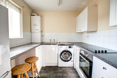 2 bedroom flat to rent - Windmill Court, Spital Tongues,