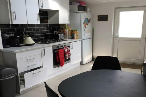 5 bedroom house share to rent - North Road, Cathays, Cardiff