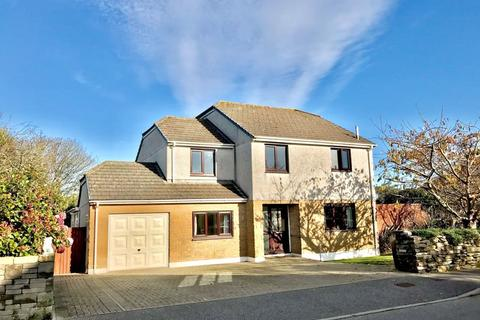 6 bedroom detached house for sale - Space, versatility and practicality at Park Leven, Illogan
