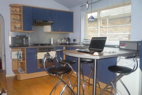 1 bedroom flat to rent - Pembury Road