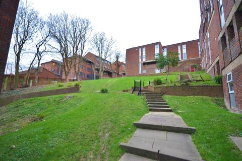 2 bedroom apartment to rent - Downs Road, Close to Town centre