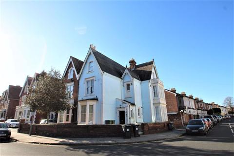 8 bedroom terraced house to rent - St Andrews Road, Southsea