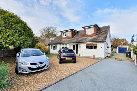 5 bedroom detached house for sale - Feversham Avenue, Queens Park, BH8