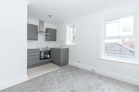1 bedroom flat - Western Place, Worthing