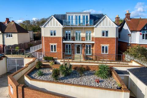 2 bedroom penthouse for sale - Dumpton Park Drive, Broadstairs