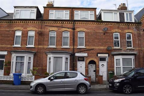 6 bedroom terraced house for sale - Clarence Road, Bridlington, East Yorkshire, YO15