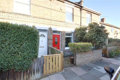 3 bedroom terraced house - Charles Street, Enfield, EN1