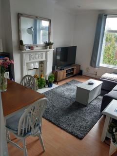 2 bedroom flat for sale - Oldridge Road, SW12