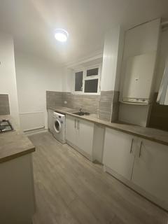 3 bedroom flat to rent - Walsham House, Walsham Road, London SE14