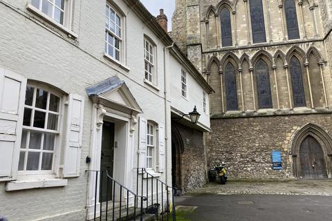 1 bedroom house - 1 Bed Period Flat The Precinct Rochester ME1 1SJ