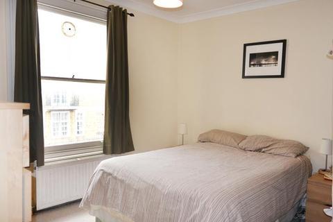 1 bedroom flat - Ferndale Road, London SW4