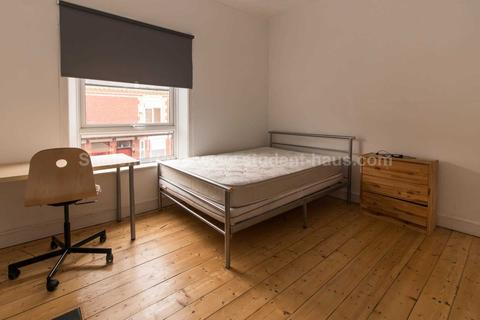 3 bedroom house share to rent - Welford Street, Salford