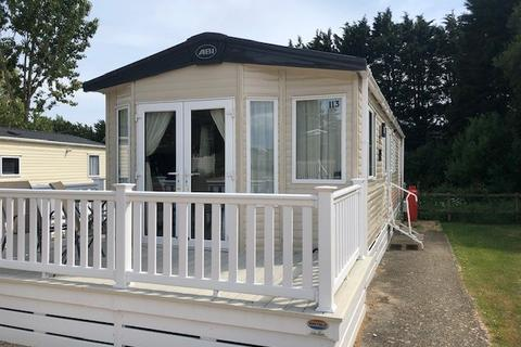 2 bedroom static caravan for sale - The Lakes Rookley, Isle Of Wight