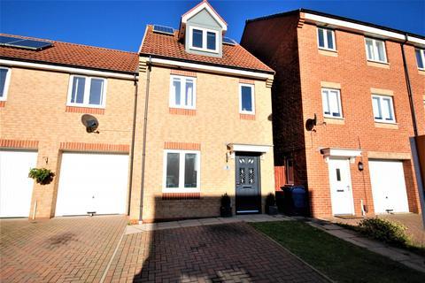 3 bedroom townhouse for sale - Thomaston Court, Slatyford