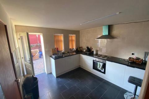 6 bedroom house to rent - 1 Delph Mews Woodhouse