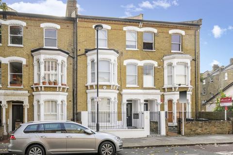 2 bedroom flat - Saltoun Road, London