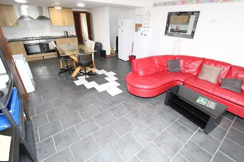 1 bedroom in a house share to rent - Queen Street, Pontypridd