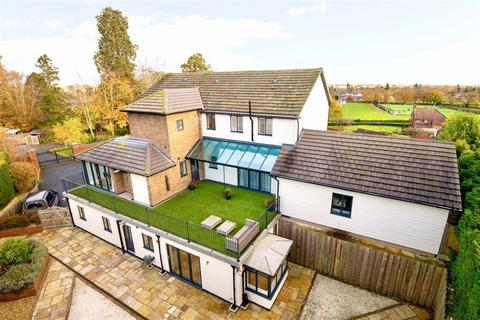 5 bedroom detached house for sale - Broomhall Lane, Oswestry, SY10