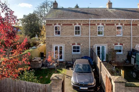 3 bedroom semi-detached house for sale - Staplegrove Road, Taunton
