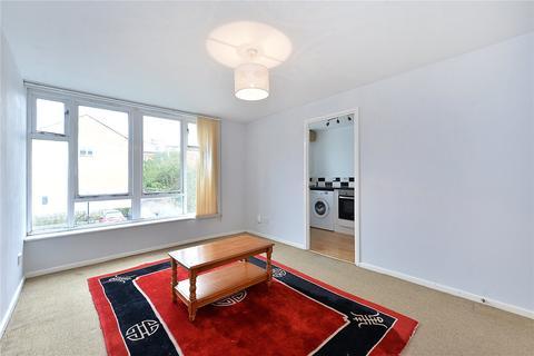 1 bedroom flat for sale - Felixstowe Court, London, E16