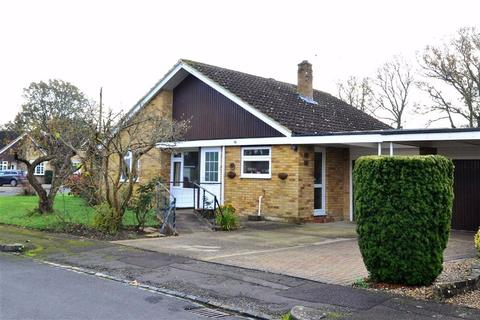 3 bedroom detached bungalow for sale - Cherry Close, Emmer Green, Reading