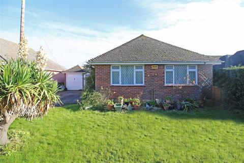 3 bedroom detached bungalow for sale - First Marine Avenue, Barton On Sea, Hampshire