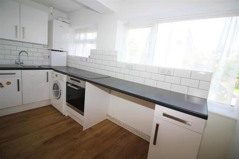 2 bedroom flat to rent - Skeltons Lane, London