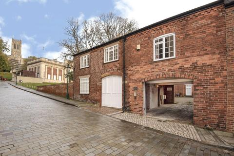 2 bedroom flat for sale - The Coach House, Danesgate, LN2