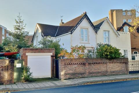 5 bedroom semi-detached house for sale - Victoria Road North, Southsea