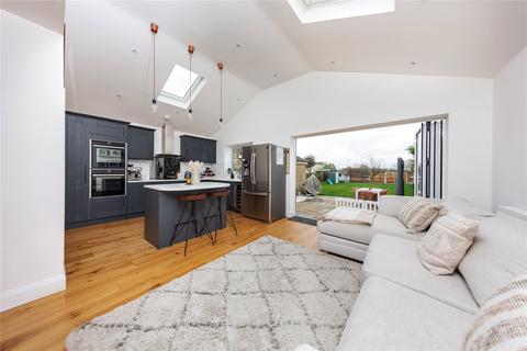 5 bedroom bungalow for sale - Brabant Road, North Fambridge, Chelmsford, Essex, CM3