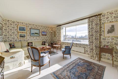 2 bedroom flat - Greville House, Kinnerton Street, London, SW1X