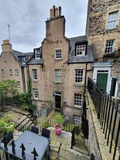 3 bedroom apartment to rent - Calton Hill, Edinburgh
