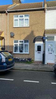 3 bedroom terraced house - Livingston Road, Gillingham, Kent ME7