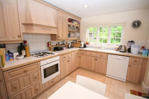 3 bedroom semi-detached house for sale - Reynolds Road, Beaconsfield