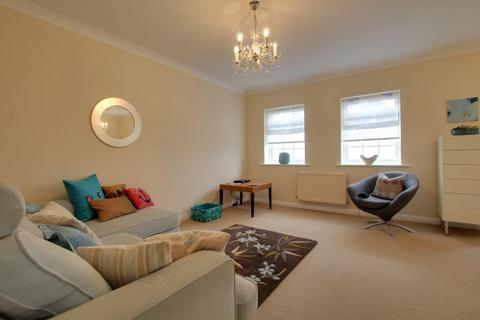 2 bedroom apartment to rent - SEQUANA COURT, VICTORIA DOCK, HU9