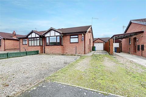 2 bedroom bungalow - East End Road, Preston, Hull, HU12
